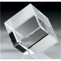 Bevel gumes paperweight cubo branco cristal, nós podemos gravar o seu logotipo ou imagem personalizada dentro do cubo.